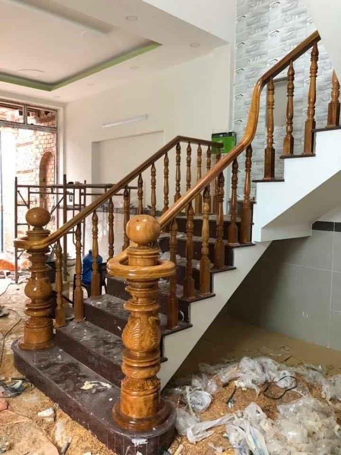 lắp đặt cầu thang gỗ chuyên nghiêp ở biên hòa