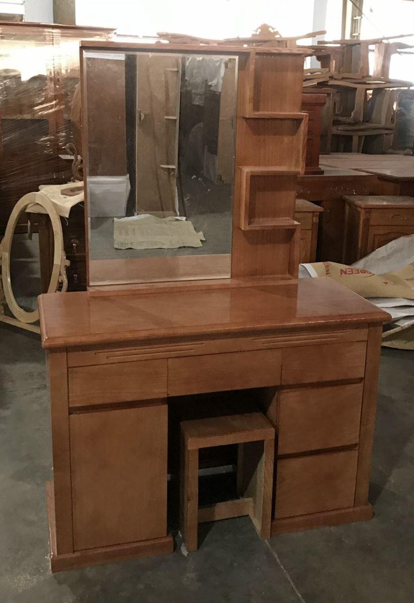 bàn trang điểm gỗ sồi thiết kế hiện đại