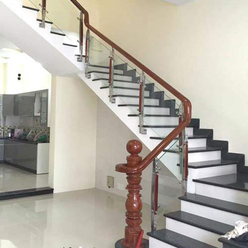 Cầu thang kính Biên Hòa
