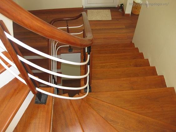 Cầu thang gỗ 02